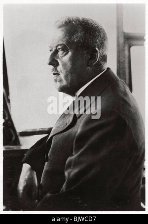 Dr Hugo Eckener, manager of the Luftschiffbau Zeppelin, c1917-1933 (1933). Artist: Unknown - Stock Photo