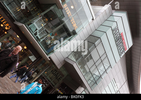 Manchester`s Arndale Se commerce field.hopping Center,a hive of activity in th - Stock Photo