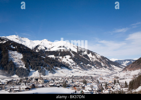 Alpine ski resort in Austrian Alps with snow in Rauriser Sonnen Valley and on Sonniblick Mountains in winter, Rauris, - Stock Photo