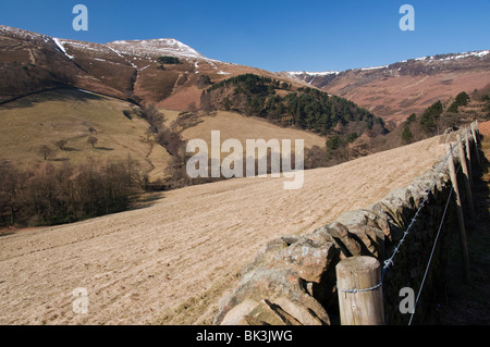 The summit of Grindslow Knoll on Kinder Scout with a covering of snow - Stock Photo