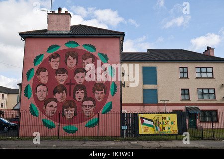 Bloody Sunday mural in Derry/Londonderry depicting the victims who died. - Stock Photo