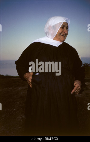 Palestinian woman wearing traditional dress, Israel - Stock Photo