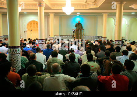 Imam Tarek Oubrou preaching in Bordeaux mosque before Friday prayers, Bordeaux, Gironde, France, Europe - Stock Photo