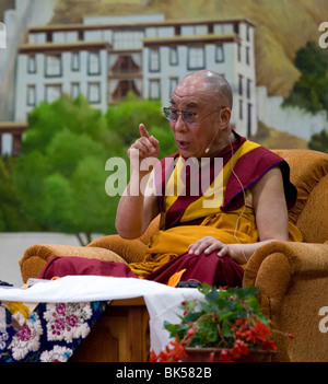 His Holiness the 14th Dalai Lama giving teachings at Tibetan Children's Village in Dharamsala, India - Stock Photo