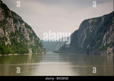 The Danube River flowing through the Kazan Gorge in the Iron Gates Region between Serbia and Romania, Europe - Stock Photo