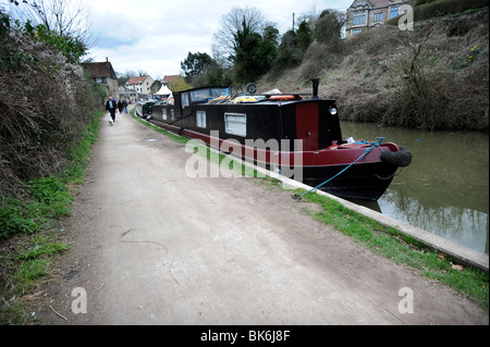 Narrow boats moored on the kennet and Avon canal at Bradford on Avon - Stock Photo