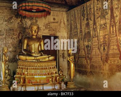 Wat Ko Keo Suttharam, dating from the 18th century, an Ayutthaya period temple housing very old murals, Petchburi, - Stock Photo