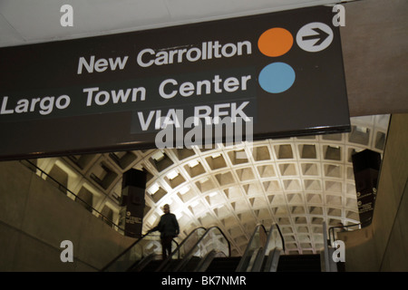 Washington DC 9th Street NW Gallery Place Metro Station rapid transit system public transportation sign direction - Stock Photo
