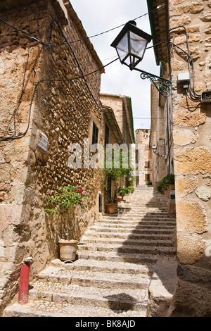 Alleyway, Fornalutx, Mallorca, Majorca, Balearic Islands, Spain, Europe - Stock Photo