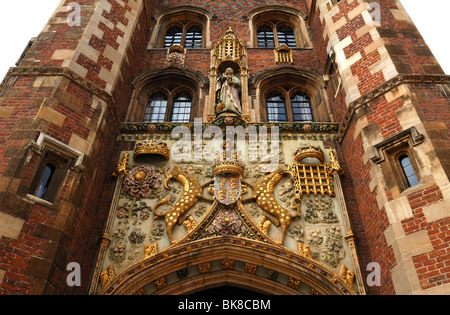 Detail of the decorative entrance gate of St. John's College, founded in 1511 by Lady Margaret Beaufort, Bridge - Stock Photo