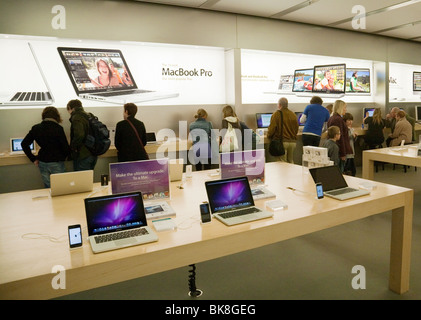 People in an Apple Store, The Grand Arcade, Cambridge UK - Stock Photo