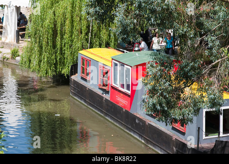 Canal boat converted to tea room moored alongside 'The Lock Inn' Cafe in 'Bradford on Avon' Wiltshire England UK EU