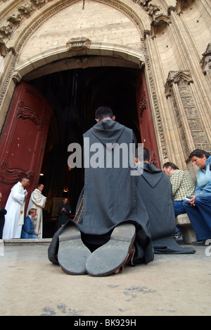 Lyon (69) : Mass of the 'Small Grays' (brothers of the Community of St. John) in Lyon Cathedral (St John's Cathedral) - Stock Photo