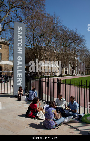 Entrance to the Saatchi Gallery, Chelsea. One of the largest and most respected galleries in London. - Stock Photo