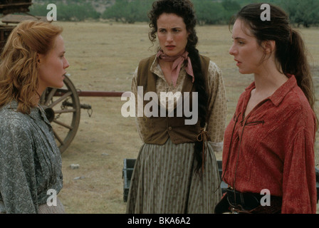 BAD GIRLS (1994) MARY STUART MASTERSON, ANDIE MACDOWELL, MADELEINE STOWE BDGS 019 L - Stock Photo