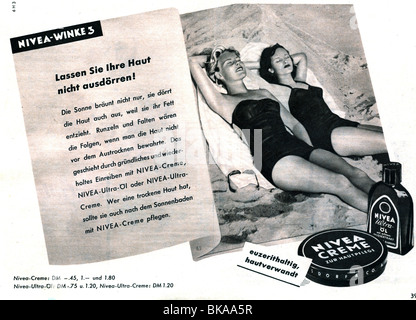 advertising, cosmetics, Nivea Creme, advertisement in 'Der Stern' magazine, number 23, 1954, Additional-Rights-Clearances - Stock Photo