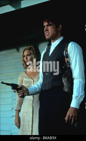 BONNIE & CLYDE (1967) FAYE DUNAWAY, WARREN BEATTY BAC 006 - Stock Photo