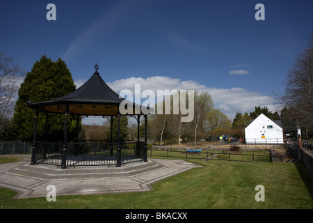 scarva bandstand and visitor centre and tea rooms in village county down northern ireland uk - Stock Photo