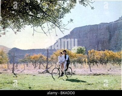BUTCH CASSIDY AND THE SUNDANCE KID KATHARINE ROSS,PAUL NEWMAN BCS 008FOH - Stock Photo