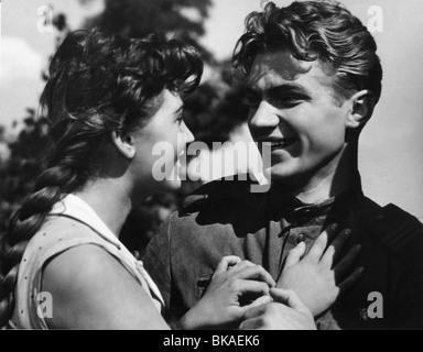 V tvoikh rukakh zhizn  Life in Your Hands Year : 1959 - Soviet Union Director : Nikolai Rozantsev - Stock Photo