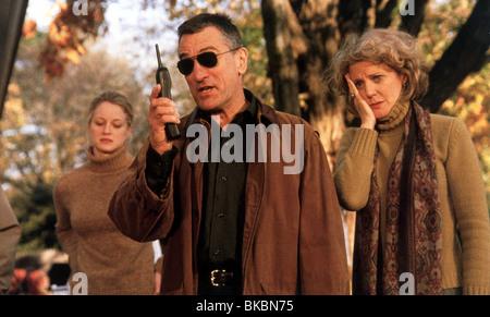 MEET THE PARENTS (2000) TERI POLO, ROBERT DE NIRO, BLYTHE DANNER MEET 009FOH - Stock Photo