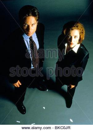 THE X-FILES (TV) DAVID DUCHOVNY, GILLIAN ANDERSON XFIL 321 - Stock Photo