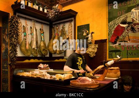 Taberna La Fragua De Vulcano  Old Madrid Spain Bar Tapas Restaurant - Stock Photo