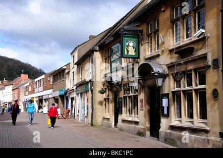 The King's Head Pub, Parsonage Street, Dursley, Gloucestershire, England, United Kingdom - Stock Photo
