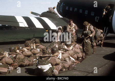BAND OF BROTHERS (TV) (2001) DAMIAN LEWIS BDBS 023 - Stock Photo
