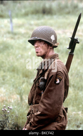 BAND OF BROTHERS (TV) (2001) DAMIAN LEWIS BDBS 011 - Stock Photo