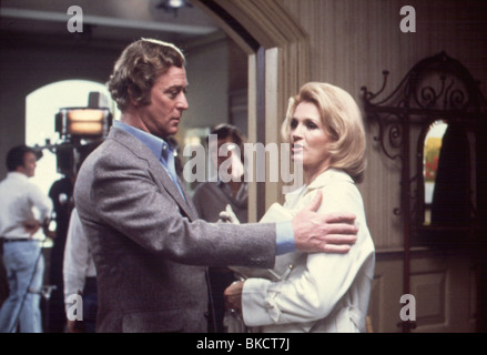 DRESSED TO KILL (1980) MICHAEL CAINE, ANGIE DICKINSON DTOK 002 - Stock Photo