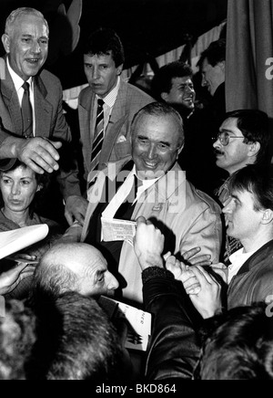 Schoenhuber, Franz, 10.1.1923 - 27.11.2005, German politician (REP), scene, with fans, 1989, Additional-Rights-Clearances - Stock Photo