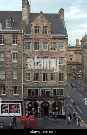 Deacon Brodie's Tavern, Royal Mile, Edinburgh - Stock Photo