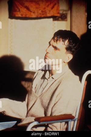 MY LEFT FOOT (1989) DANIEL DAY-LEWIS MLF 046 - Stock Photo