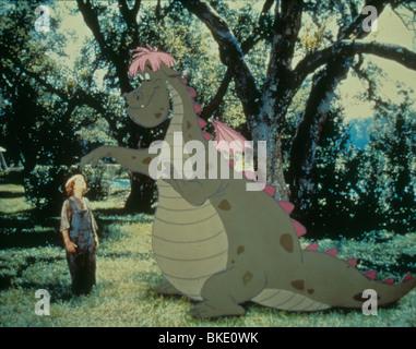 PETE'S DRAGON (1977) SEAN MARSHALL CREDIT DISNEY PFRD 005 - Stock Photo