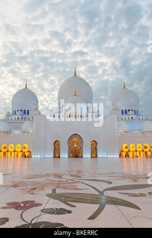 Sheikh Zayed Bin Sultan Al Nahyan Mosque, Abu Dhabi, United Arab Emirates, UAE - Stock Photo