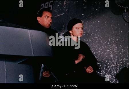 UNDER SIEGE (1992) STEVEN SEAGAL, ERIKA ELENIAK UNSG 036 - Stock Photo