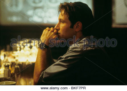X-FILES: THE MOVIE (1998) DAVID DUCHOVNY XFM 048 - Stock Photo
