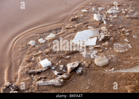 Ice breaking up in spring on the Yellow River in northern China - Stock Photo