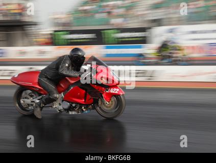 Suzuki Hayabusa motorbike at Santa Pod, ridden by Mark Slade. - Stock Photo
