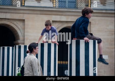 Palais Royale Gardens, Jardins, Children Playing in Park, 'Colonnes de  Buren' Modern Sculpture Installation, Paris, - Stock Photo