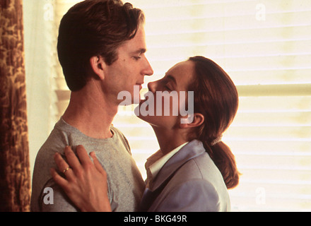 THE BROWNING VERSION (1993) MATTHEW MODINE, GRETA SCACCHI BRWV 003 - Stock Photo