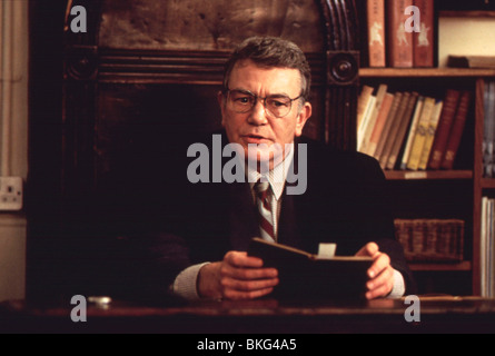 THE BROWNING VERSION (1993) ALBERT FINNEY BRWV 029 - Stock Photo