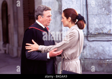THE BROWNING VERSION (1993) ALBERT FINNEY, GRETA SCACCHI BRWV 055 - Stock Photo