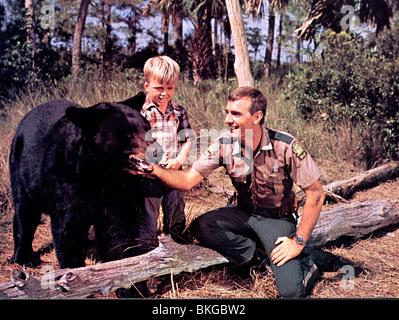 GENTLE BEN (TV) CLINT HOWARD, DENNIS WEAVER GENB 002 CP - Stock Photo