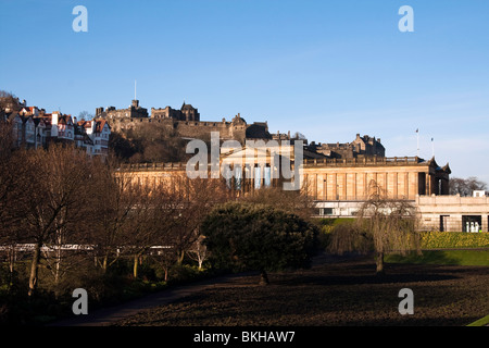A spring morning view of the National Gallery of Scotland, with Edinburgh Castle in the background - Stock Photo