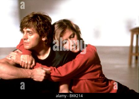 WHITE NIGHTS (1985) MIKHAIL BARYSHNIKOV, HELEN MIRREN WHN 007 - Stock Photo