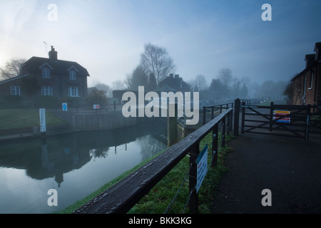 Dawn over the River Thames at Old Windsor Lock, Berkshire, Uk - Stock Photo