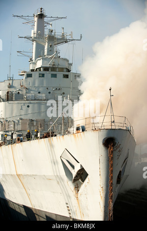 sailing ship fire smoke - photo #43