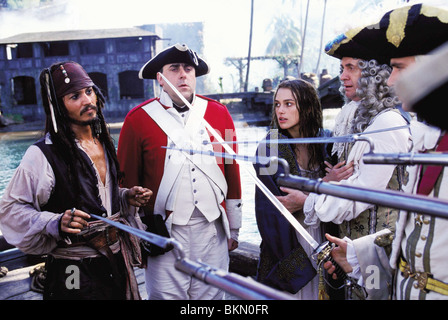 PIRATES OF THE CARIBBEAN: THE CURSE OF THE BLACK PEARL (2003) JOHNNY DEPP, KEIRA KNIGHTLEY, JONATHAN PRYCE, JACK - Stock Photo